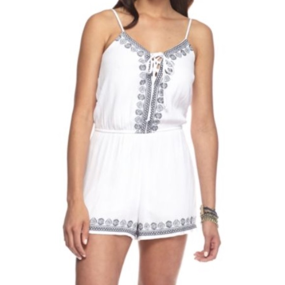 e5ab40061bfa Trixxi romper white with Embroidery size small. M 5aad2d1d3a112e5826d04453